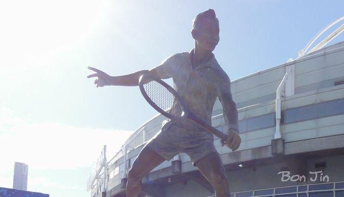 ロッド・レーバー像 テニスのBonJin
